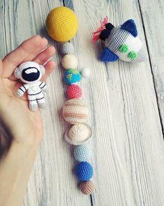 Rocket sun rattle solar system baby shower gift crochet nursing necklace teething necklace baby wearing necklace for mom crochet beads Crochet Baby Hats, Knit Or Crochet, Crochet Gifts, Cute Crochet, Crochet Patterns Amigurumi, Crochet Dolls, Knitting Patterns, Kawaii Crochet, Crochet Animals