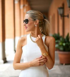 ff+white+faux+leather+zara+cut+out+shoulder+sheath+dress+sunglasses+high+ponytail+strappy+backless+slide+mule+sandals+gorjana+cuff+bracelet+fan+pearl+earrings+chain+link+necklace+work+to+cocktails+professional+women+business+work+fashion+style+blog.jpg (640×712)