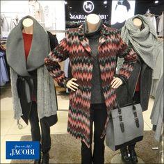 Warme Jacken für die kalte Jahreszeit von AMBER & JUNE, S.OLIVER und MARIA JACOBI  #jacobi #modehausjacobi #mantel #wintermantel #soliver #amberjune #mj #mariajacobi #wollmantel #wintermantel #köln #koeln #cologne