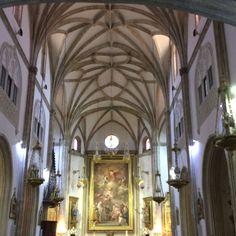 Interior Iglesia de Los Jeronimos, Madrid. España