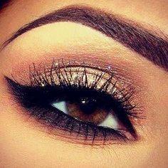 Eye Makeup Tips.Smokey Eye Makeup Tips - For a Catchy and Impressive Look Eye Makeup, Kiss Makeup, Makeup Tips, Hair Makeup, Makeup Ideas, Makeup Contouring, Makeup Trends, Airbrush Makeup, Sultry Makeup