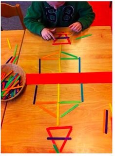 30 Montessori activities for toddlers – Preschool – Aluno On – - Kinderspiele Montessori Activities, Kindergarten Math, Toddler Preschool, Educational Activities, Toddler Activities, Learning Activities, Preschool Activities, Montessori Playroom, Symmetry Activities