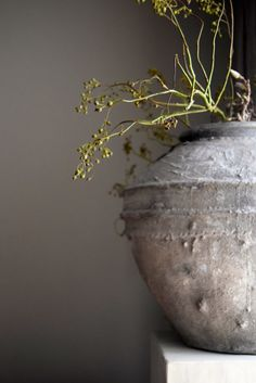#dewemelaer #pinterieur Pottery, Vase, Beautiful, Home Decor, Ceramica, Decoration Home, Room Decor, Pottery Marks, Ceramic Pottery