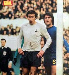 Tottenham 2 Chelsea 1 in March 1971 at White Hart Lane. David Webb marks Martin Chivers at a corner Tottenham Hotspur Players, Mark Martin, Bristol Rovers, White Hart Lane, David Webb, School Football, Premier League, Old School, 1970s