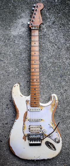 Bass Guitar On Sale Bass Guitar Neck Plate Fender Stratocaster, Telecaster Vintage, Gretsch, Fender Vintage, Stratocaster Guitar, Telecaster Custom, Guitar Amp, Cool Guitar, Acoustic Guitar