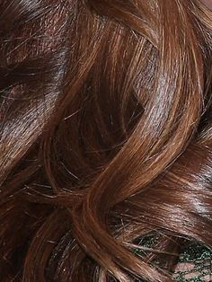 Miranda Kerr Hair Color Mocha Brown with Almond Highlights