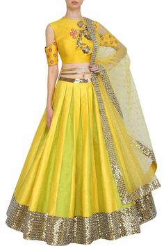 Colour combination is good Yellow Lehanga, Designer Bridal Lehenga, Bridal Lehenga Choli, Haldi Ceremony, Lehenga Designs, Indian Attire, Indian Outfits, Indian Dresses, Indian Clothes