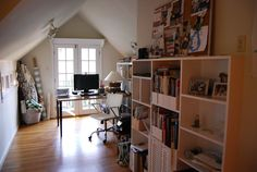 le meuble avec des volets, en bas-Jack & Kate's Eclectic Atlanta Home