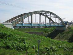 平成24年度土木学会選奨土木遺産  対象構造物:岡山橋(おかやまばし)  受賞理由:道内に現存する数少ない戦前の鋼道路橋(4橋)の1つであり、北海道で最初に架設されたソリッドリブ・タイドアーチ橋である。  支部:北海道支部  所在地:北海道岩見沢市東町  竣工年/和暦(西暦):昭和11年(1936年)