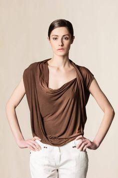 Top con drappeggio marrone. #fashion #pleinsudjeanius #shoponline #dressingfab