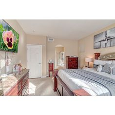 Check out this Photo shoot I did for Daniel Hilty a Remax agent at 6623 Quantock way Aurora Co . Give him a call at (720) 256-4703 to see this beautiful home.  BELOW IS THE 3D VIRTUAL TOUR http://ift.tt/1UTtZ7r  For inquires on photography 3D Virtual Tours or video production call 303-803-8762 or to see more examples of my work visit http://ift.tt/1LCg2sa  #whatifproduction #videoediting #videoproduction #photography #realestate #realestatephotography #architectual #hdr #love #instagood…