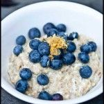 365 ways to eat oatmeal. Perfect for breastfeeding mamas.