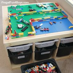 Table de rangement LEGO - IKEA Hack  http://www.homelisty.com/rangement-lego/