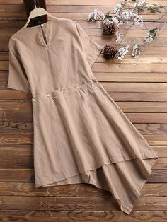 Short Kurti Designs, Kurti Neck Designs, Kurti Designs Party Wear, Stylish Dresses, Fashion Dresses, Woman Dresses, Simple Pakistani Dresses, Girls Frock Design, Western Dresses