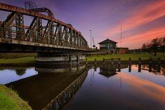 Frodsham Swing Bridge North West, Bridges, England, Places, People, Travel, Art, Art Background, Viajes