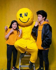 """You can do it"" MV is LIT! Ranz Kyle, Siblings Goals, Music Wall, Youtube Stars, Brother Sister, My Idol, Youtubers, Cute Dresses, Ronald Mcdonald"