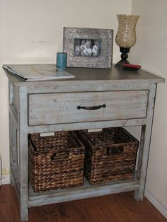 how to achieve a distressed paint look...I'm on a painting/distressing furniture kick ;)