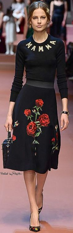 Dolce & Gabbana FW 2015/16. Love the skirt, could do without the top, which is silly. (Yes, I know D&G like silliness.)