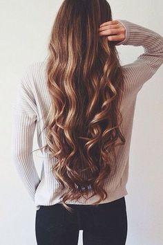 Frisuren mit 20: lang & zerzaust