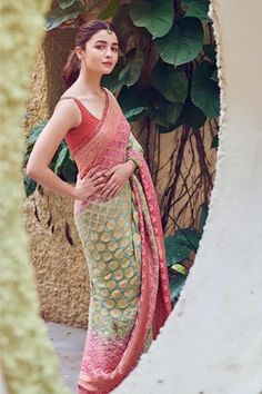 Alia Bhatt has been seen wearing one gorgeous Indian outfit after another for her movie promotions. Check all of Alia Bhatt's Indian Looks here with prices. Indian Attire, Indian Wear, Indian Outfits, Bollywood Fashion, Bollywood Actress, Hindi Actress, Bollywood Saree, Bollywood Celebrities, Wedding Guest Outfit Looks
