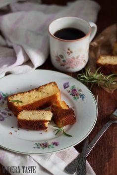 Modern Taste: Sponge-cake with rosemary