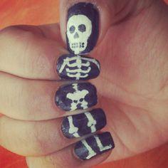 #Skeleton #Bones #Nails #NailDesigns #CoolNails #Awesome #Black #Halloween