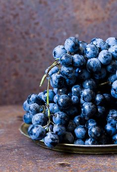 Grapes by Mezeselet
