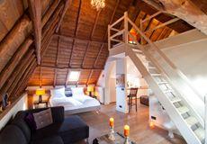 De zwarte boer, leuvenum, Gelderland. 400 jaar oud, kleinste viersterren hotel met acht kamers en brasserie op de Veluwe.