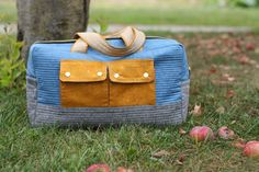 Sew a cargo duffle bag with this free pattern from Noodlehead for Robert Kaufman fabrics. Perfect for a weekend getaway, this bag is sure to please!