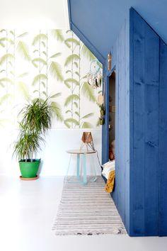 The boysroom, blue, green, palms and a new lamp. Kinderkamer met de mini spot met add-on van Tjalle en Jasper.