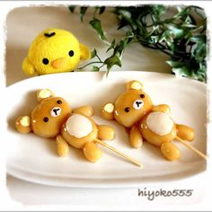 Rilakkuma turned into Mitarashi Dango (skewered rice dumplings in a sweet soy glaze) Funny Food Pictures, Funny Food Memes, Food Humor, Japanese Food Art, Japanese Sweets, Japanese Wagashi, Japanese Candy, Kawaii Bento, Creative Desserts