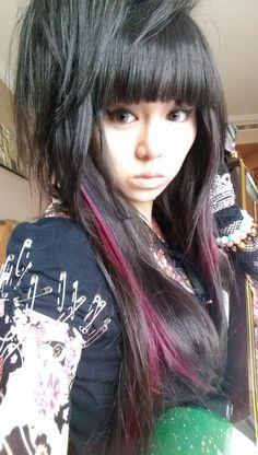 Beni(Wagakki Band) Japanese Girl Band, Heart Pump, Tumblr, My Muse, Girl Bands, Visual Kei, Rock Music, Girl Hairstyles, Dreadlocks
