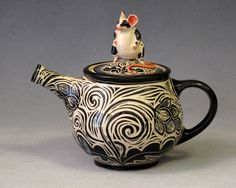black and white mouse teapot, 18 x 18 cm