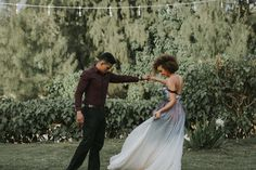 Loulu Palm Moody tones, a colorful wedding dress & creative eco-friendly details – this Hawaiian wedding inspiration is unlike anything we've seen before! Colored Wedding Dresses, Wedding Colors, Hawaii Wedding, Wedding Day, Boho Gown, Watercolor Dress, Grace Loves Lace, Bridal Musings, Industrial Wedding