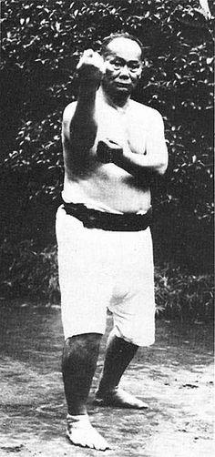 Reviving Meotode: The Ancient Okinawan Karate Concept of Kicking Ass Isshinryu Karate, Shotokan Karate, Karate Styles, Kempo Karate, Okinawan Karate, Japanese Karate, Martial Arts Techniques, Chinese Martial Arts, Boxing Workout
