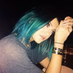 """Kylie: """"vegas baby"""" Kylie Jenner Blue Hair, Style Kylie Jenner, Nails Kylie Jenner, Kendall Jenner, Kris Jenner, Color Ombre Hair, Teal Hair, Turquoise Hair, Ombre Bob"""