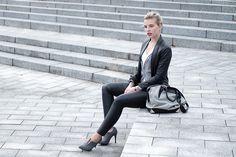 RED REIDING HOOD: www.redreidinghood.com Fashion blogger wearing faux leather pants H&M leather suit jacket Mango designer bag alexander wang emile tot outfit