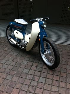 Without a doubt the coolest Honda C90 i've seen.