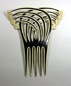 Art Deco hair comb by Janny Dangerous
