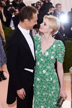 Tom Hiddleston and Elizabeth Dibecki at the Met Gala NYC - love her face in this pic !
