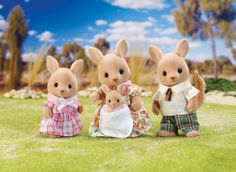 """Calico Critters Hopper Kangaroo Family - International Playthings - Toys """"R"""" Us Kids Store, Toy Store, Calico Critters Families, Toys R Us Canada, Family Set, Family Costumes, All Toys, Book Gifts, 3rd Birthday"""