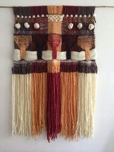 Love the textures! Weaving Wall Hanging, Weaving Art, Weaving Patterns, Tapestry Weaving, Loom Weaving, Hand Weaving, Rainy Day Crafts, Textiles, Weaving Projects