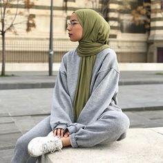 Hey girls jai oublier de vous donner le code promo jai chez Barcha a Tese Tesettür Mont Modelleri 2020 Hijab Casual, Modest Fashion Hijab, Stylish Hijab, Modern Hijab Fashion, Street Hijab Fashion, Hijab Fashion Inspiration, Hijab Chic, Muslim Fashion, Ootd Hijab
