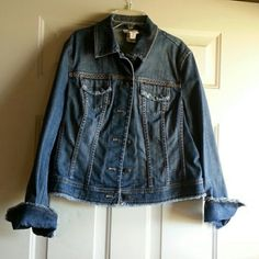 TALBOT DENIM JACKET Very cute detailed stitching Jackets & Coats Jean Jackets