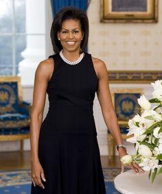 IlPost - Il primo ritratto ufficiale di Michelle Obama da First Lady degli Stati Uniti. La foto è stata scattata nella Sala Blu della Casa Bianca il 26 febbraio del 2009. (AP Photo/The White House, Joynce N. Boghosian, File) - Il primo ritratto ufficiale di Michelle Obama da First Lady degli Stati Uniti. La foto è stata scattata nella Sala Blu della Casa Bianca il 26 febbraio del 2009.  (AP Photo/The White House, Joynce N. Boghosian, File)