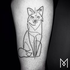 Continuous line fox tattoo on the left thigh. Tattoo artist: Mo...