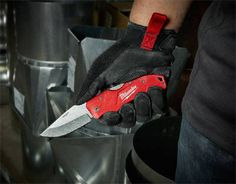 Milwaukee Adds Lockback Pocket Knife To Their Jobsite Cutting Solutions Knife Making Tools, Trench Knife, Best Pocket Knife, Hard Metal, Cold Steel, Knife Sharpening, Custom Knives, Folding Knives, Welding