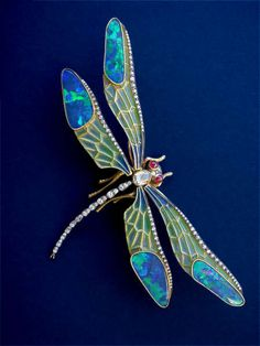 Pin by Virginia Burke on Dragonfly Themed in 2019 Dragonfly Photos, Dragonfly Wall Art, Dragonfly Jewelry, Dragonfly Tattoo, Insect Jewelry, Opal Jewelry, Jewelry Crafts, Jewelry Art, Antique Jewelry