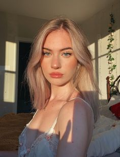 Hair Inspo, Hair Inspiration, Aesthetic Hair, Girls Makeup, Girl Face, Pretty Face, New Hair, Pretty People, Girl Hairstyles