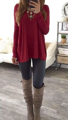 Simple grey leggings outfit, outfit ideas with leggings, fall leggings, cute legging outfits Grey Leggings Outfit, Outfits Leggins, Leather Leggings, Outfit Ideas With Leggings, Outfits With Boots, Long Sweater Outfits, Comfy Outfit, Flannel Outfits, Sweater Boots